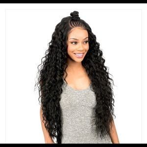 STRAIGHT LACE 28  IN WIG W/BRAIDS